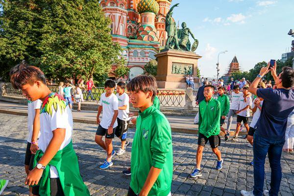 杭州绿城足球队是首支在莫斯科亮相的中国足球队