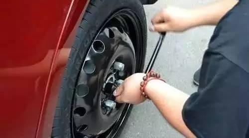 你这是在毁车!这几种不经意的行为可能会让爱车受伤