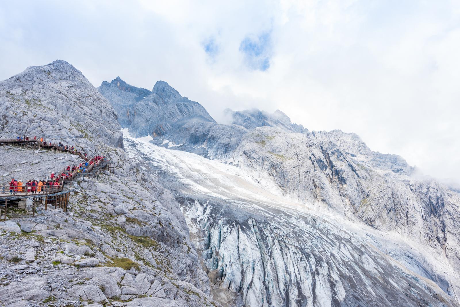 丽江最早的5A级景区,山上有距离赤道最近的冰川