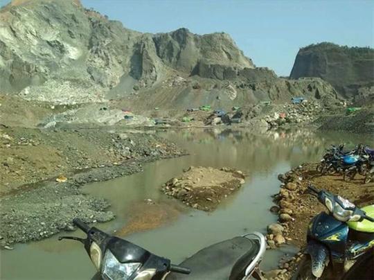 带你走进神秘的缅甸场口,缅甸翡翠矿山随想.