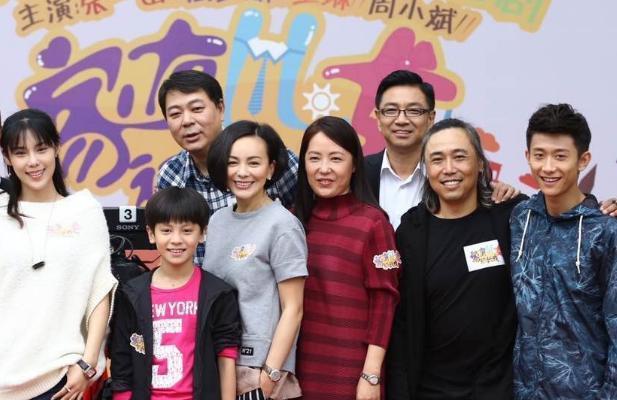 《家有儿女初长成》将在2017年上映,不虽然电视剧讲述的不是刘星小雪长大后的故事,但是,依旧期待。