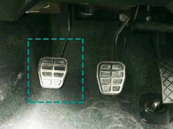 手动挡不踩离合器怎样换挡,失传技巧关键时刻能保命