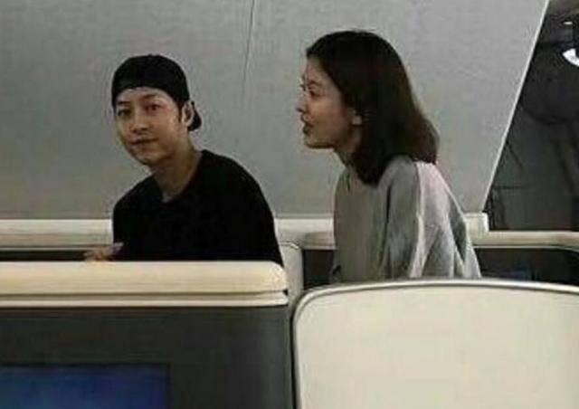 宋慧乔并未独自回国?与宋仲基甜蜜现身餐厅吃早餐!