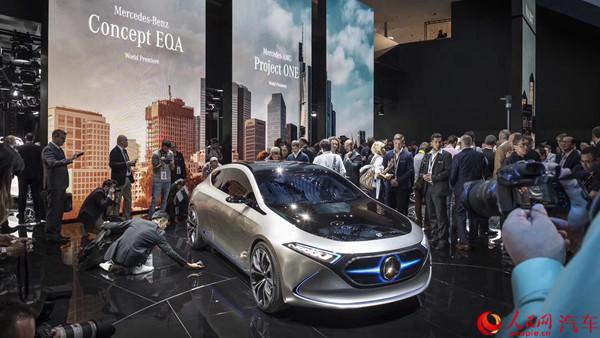 创新定义未来出行 奔驰全球首发新车亮相