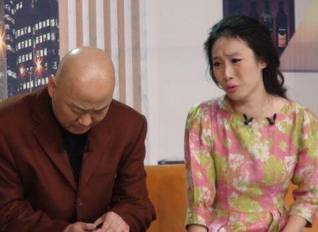 51岁郭冬临妻子生活近照,长这样难怪隐藏这么多年!