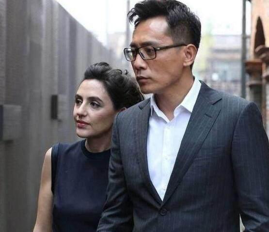 六位明星外国妻子,吴彦祖身高尴尬,于晓光妻子最美