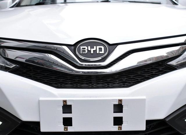 比亚迪靠这款车狂赚200亿?最长寿国产轿车,今4万起