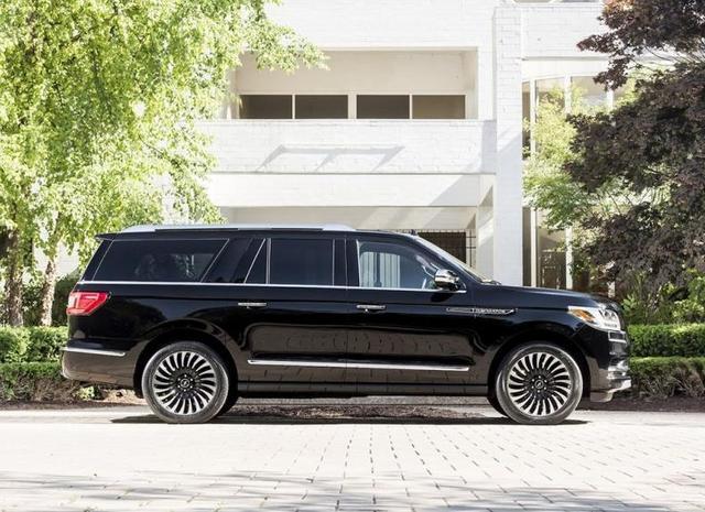 这车品牌和外形比路虎揽胜霸气100倍,车身只售98万