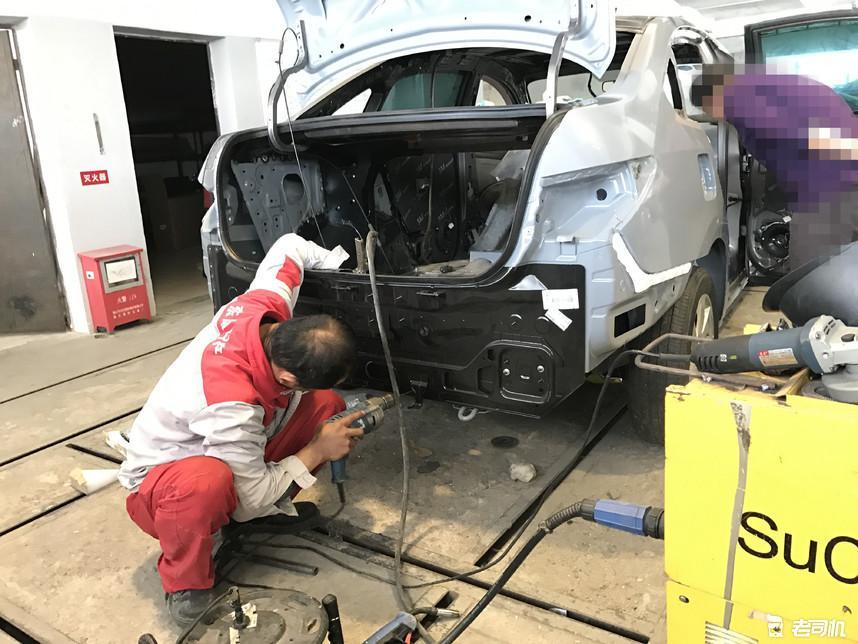 看4S店如何修复事故车,买二手车的时候长点心吧!