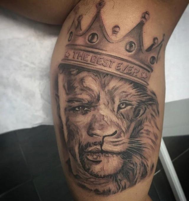 梅威瑟获全球粉丝纹身支持,人气超越泰森帕奎奥图片