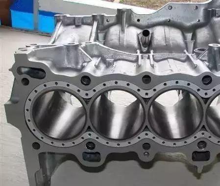 全铝<em>发动机</em>与铸铁<em>发动机</em>的区别!