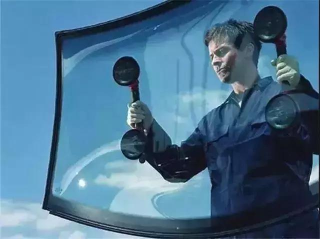 汽车玻璃一有瑕疵就要换整块?能修,无需浪费钱
