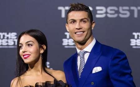 c罗上周回葡萄牙观看了母队葡萄牙体育对阵唐迪拉的比赛,乔治娜也