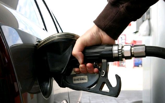 原来汽车油箱还有这些秘密,加油时要留意了,老司机们知道吗?