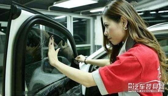 车窗玻璃没保养好,新车立马变旧车