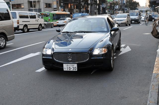 日本土豪开奔驰宝马会让人看不起,看看日本有钱人都喜欢开什么车