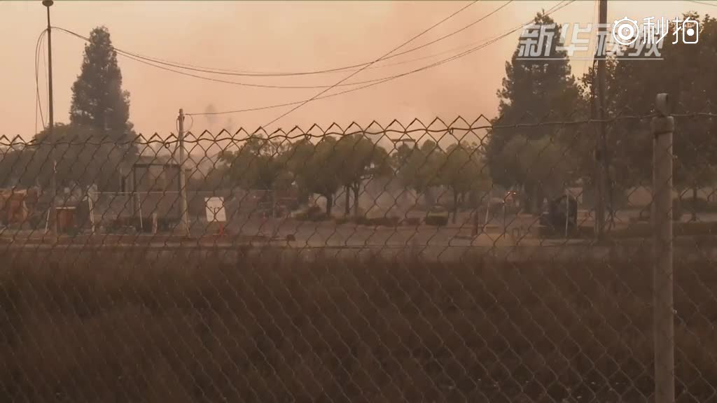 加州北部山火造成至少15人死亡