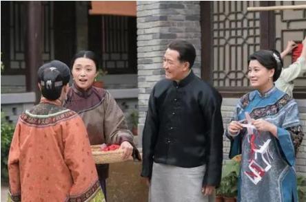 她在《亮剑》中扮演李云龙的妻子秀芹而出名,如今再续前缘