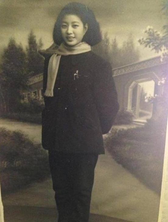 范冰冰奶奶的照片曝光 网友:基因太强大