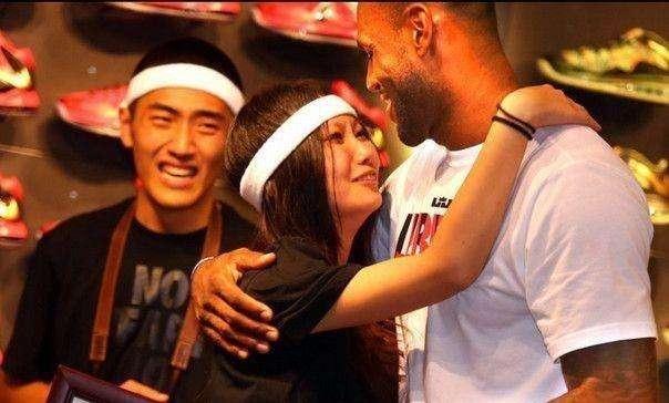 黑人球员的女友现状!阿泰的中国女友痛不欲生,奥尼尔老婆不满足
