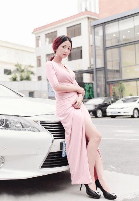 粉色不只有甜美,也可以穿出气场