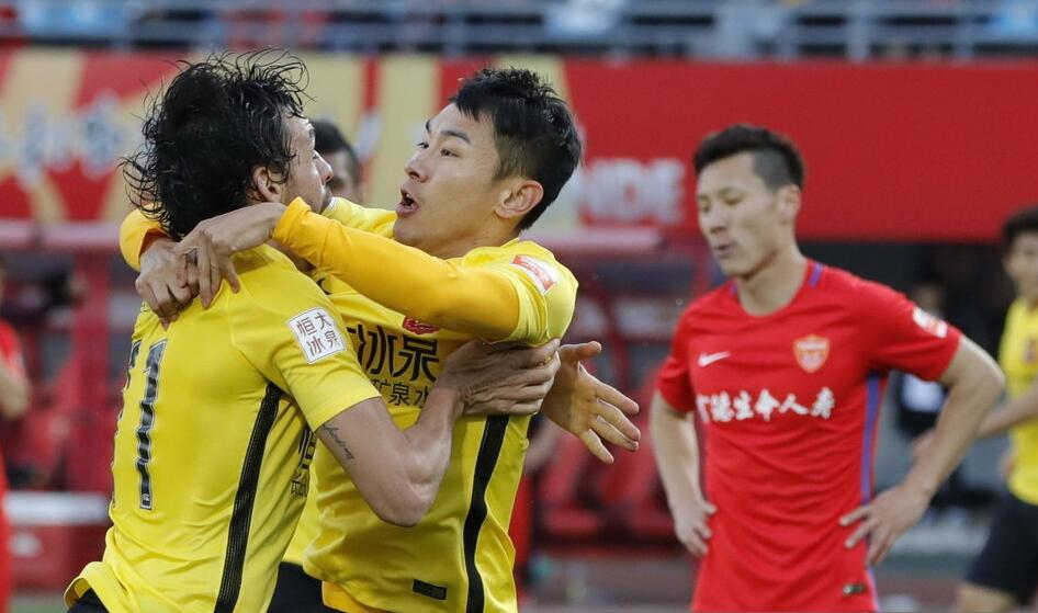 广州恒大新帅就位,球迷担心斯科拉里将破罐子破摔
