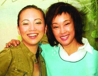 她被誉为翁美玲接班人, 曾大骂梁朝伟, 一月换8男友, 51岁无人娶