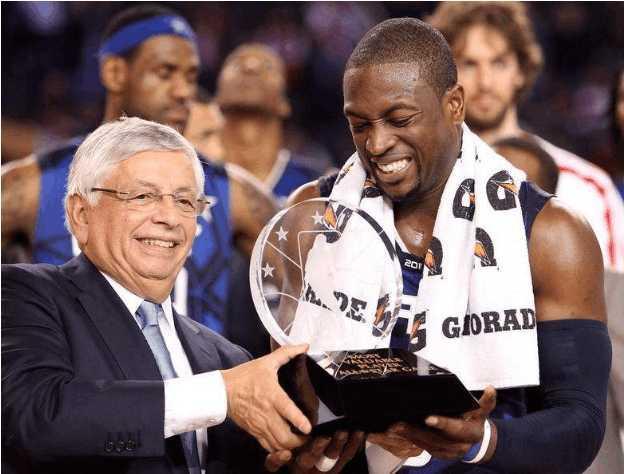 德怀恩·韦德篮球职业生涯五大闪耀时刻:荣膺得分王,获殊荣MVP