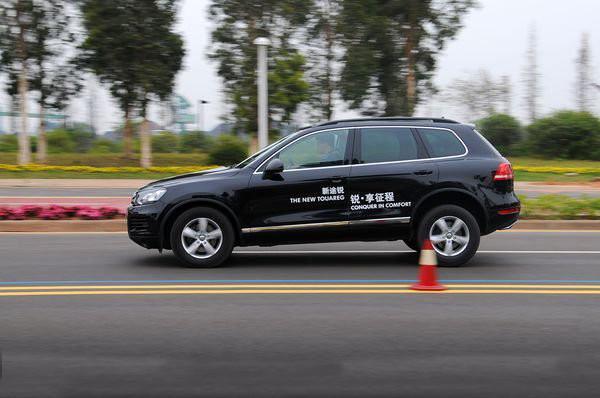 学老司机养成这个习惯,开车时安全又省油!