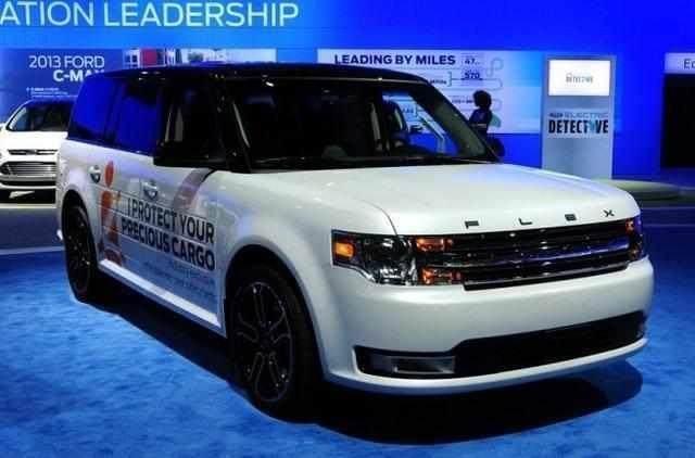 福特Flex车长5米1,外观堪比揽胜,搭载V6发动机