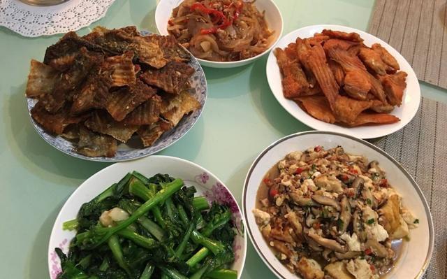 家里吃饭照片_去闺蜜家里吃饭,没想到她厨艺这么好了,原来是男朋友