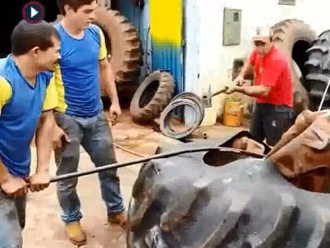 大型<em>轮胎</em>如何把<em>内胎</em>塞进去,真的太难了