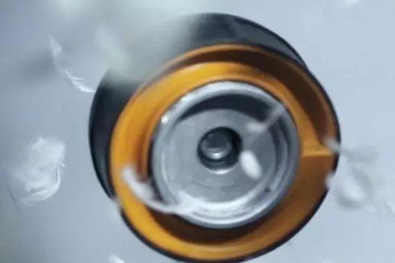 以塑代钢/铝,振动<em>控制系统</em>减重可达55%!