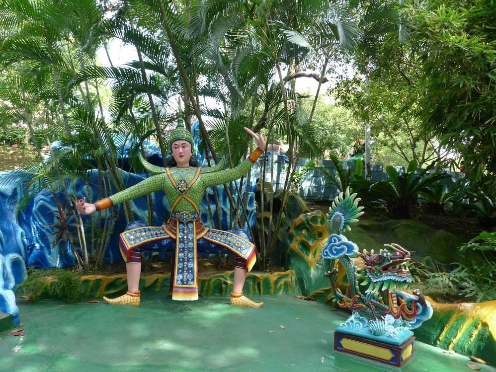 新加坡83岁修复匠人为这座没有游乐设施的主题公园坚守了70年
