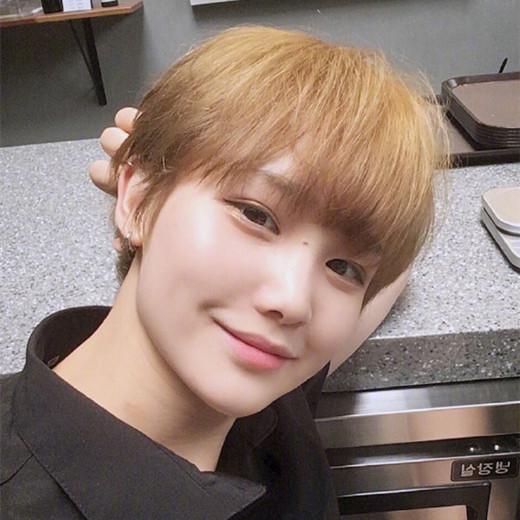 2017齐耳短发发型图片 清新韩范很惹人喜欢图片