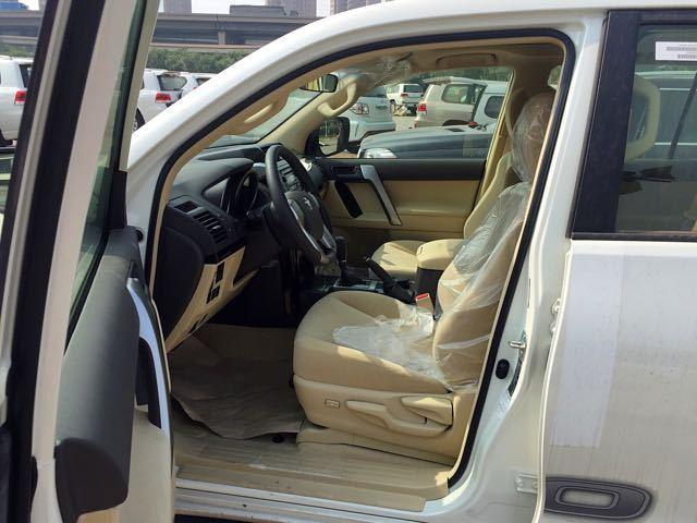 17款丰田霸道2700性比价高,实用性越野,去西藏不费劲