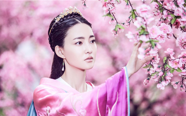 如何评价女神王丽坤的长相?
