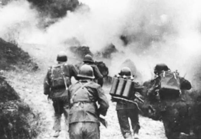 对越自卫反击战,一个尖刀班潜伏20多个小时全歼越南军指挥所 马玉革 反击