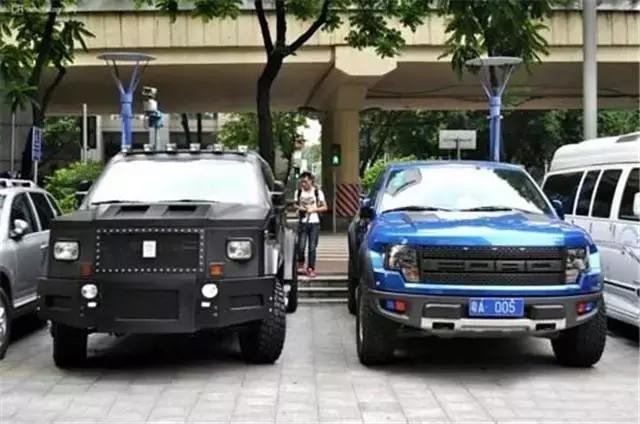 这款SUV顶三辆奔驰G级,气势碾压路虎,不知道还以为是装甲车!
