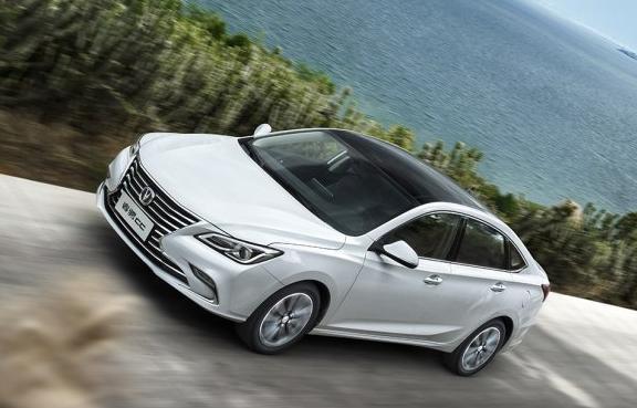 长安最美轿车将年底上市,30万的外观15万售价