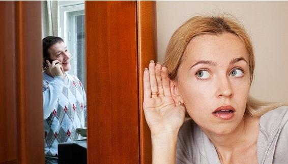 儿子结婚后,奇葩的单身母亲喜欢偷听,儿媳妇怒不可遏