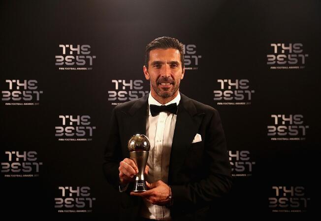 尴尬!FIFA选最佳 曼联天神进不了同位置Top15