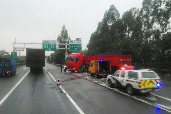 卡车事故<em>车辆</em>,交警有权扣留<em>车辆</em>多久?