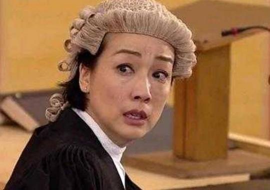 在港剧中,为何经典律师都戴着法官白色?只因为假发的玄幻小说拍成的电视剧图片