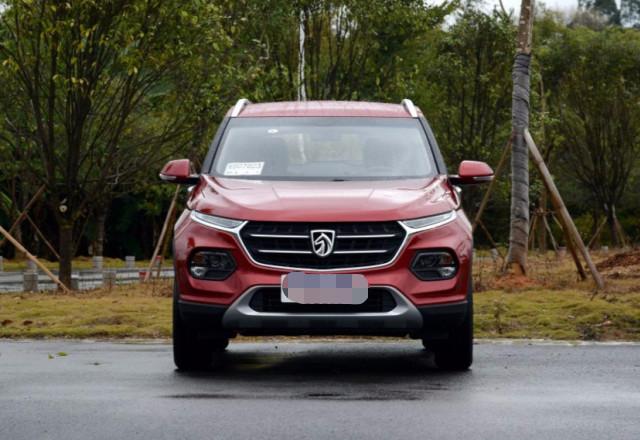 买SUV纠结油耗,这两款最低4毛每公里,个个都是同级标杆