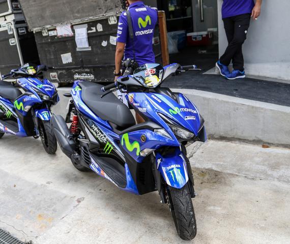 2017款雅马哈nvx 155/aerox 155 movistar踏板摩托车实车分享