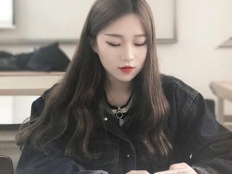 中分卷发发型图片 韩国美女可全在留图片
