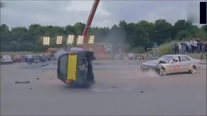 奔驰smart这类两座微型车能不能跑高速?这个你就不知道了吧