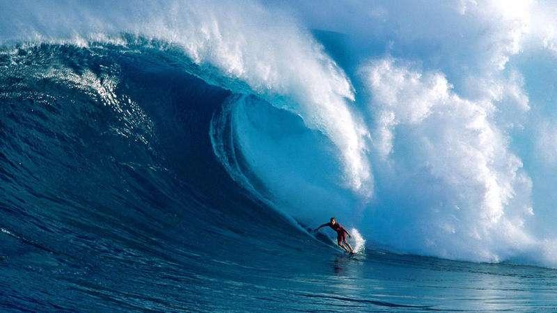 盲人冲浪王!男子因冲浪意外失明 却凭借耳朵继续驾驭海浪