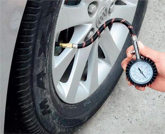 教你几个小技巧,冬天这样用车才能更省油